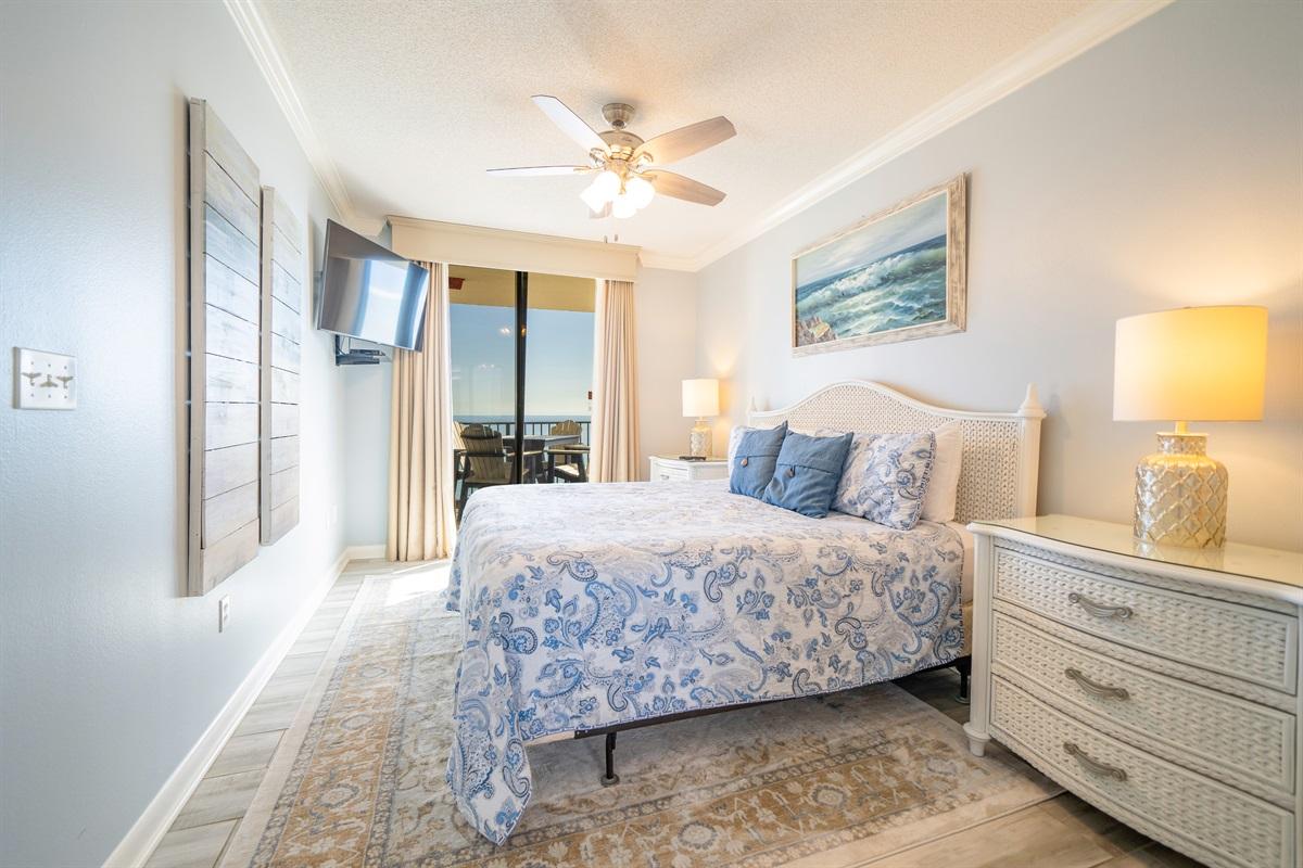 Gulf facing master bedroom!