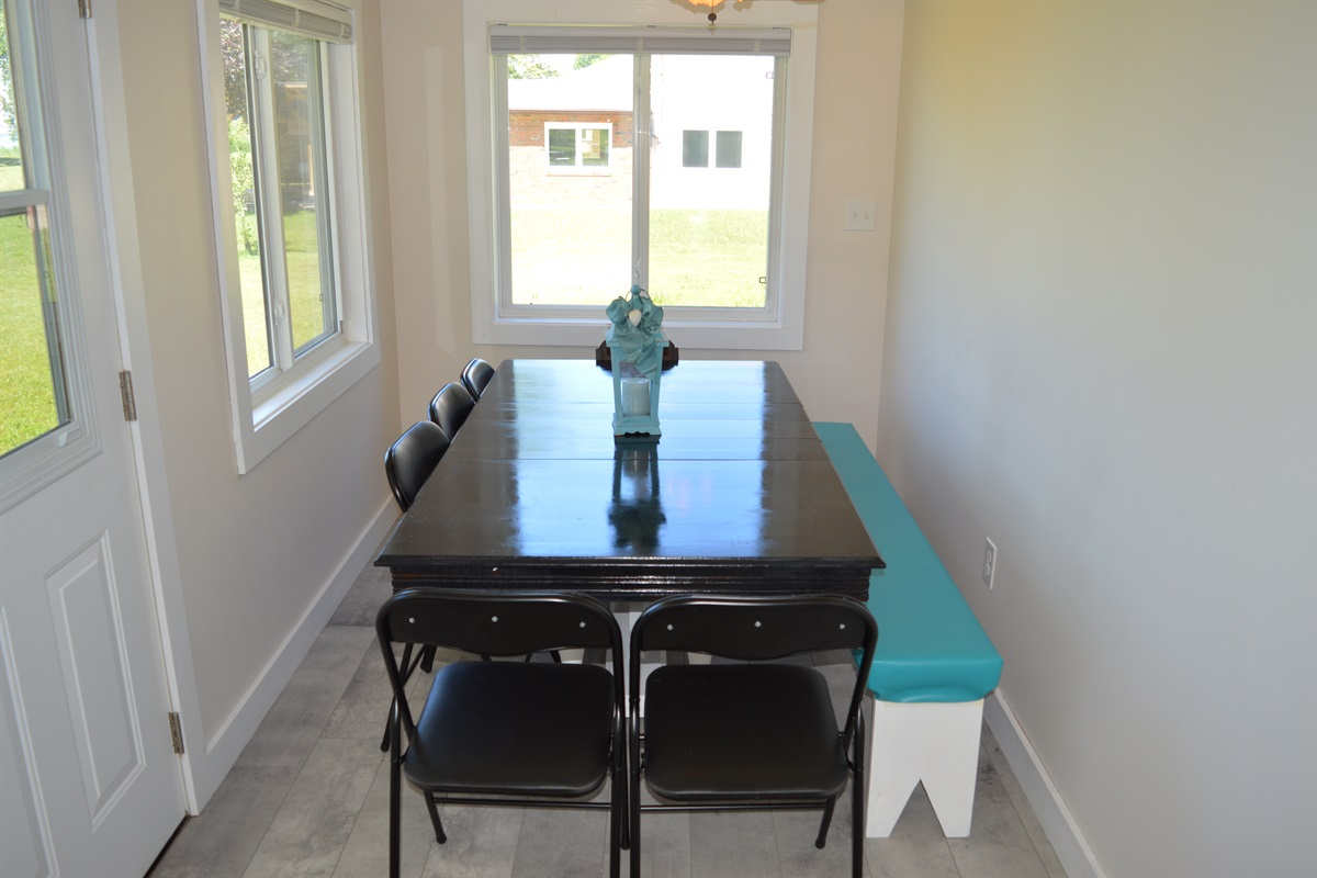 Large dining room table, perfect for any meal of the day.