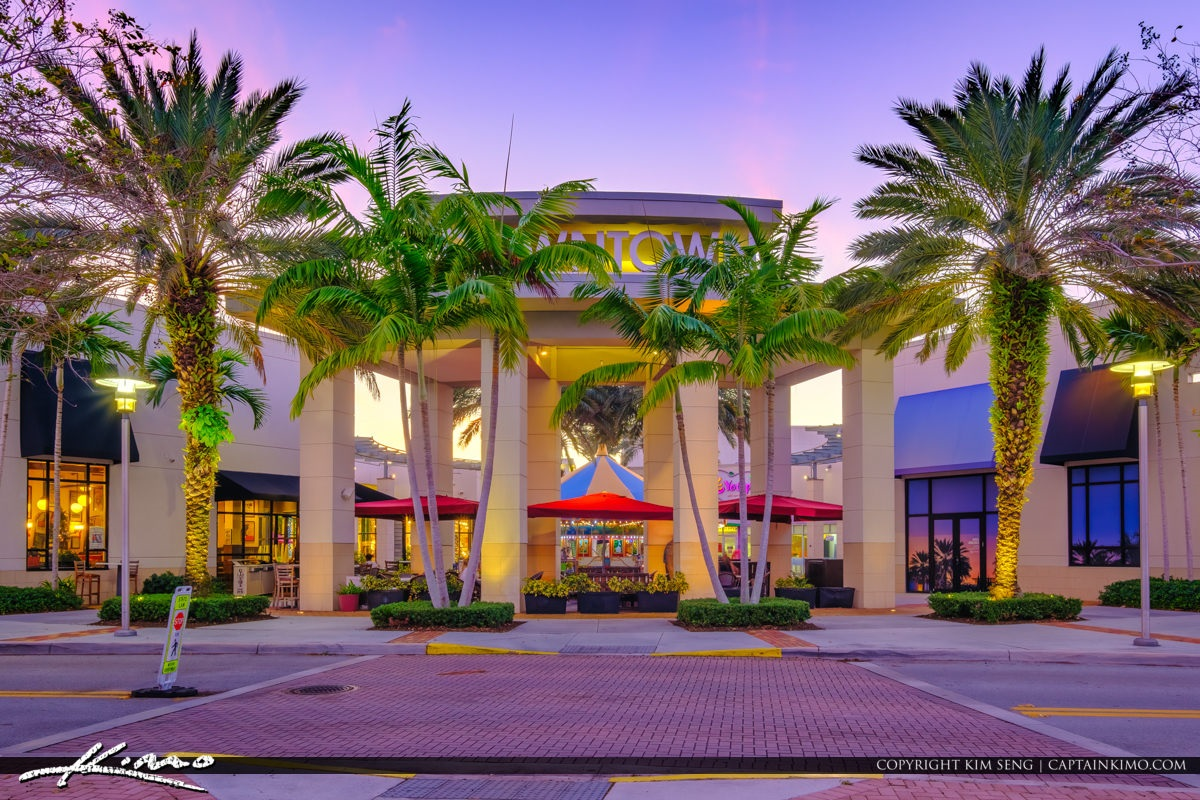 Just a short 10 minute drive to the fun Downtown At The Gardens outdoor strip mall with movies, restaurants and amazing shopping.