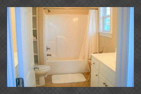 Downstairs Queen BR with ocean views, Full Private Bath
