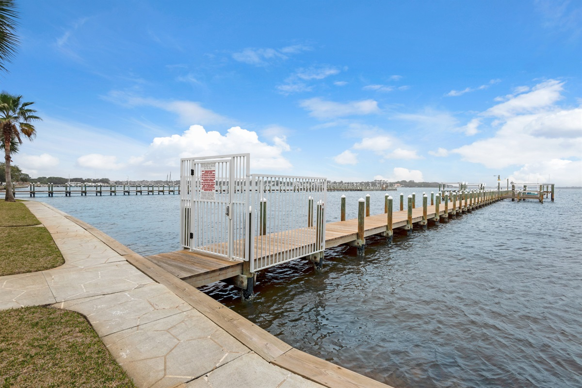 Hermitage by the Bay guest access to dock