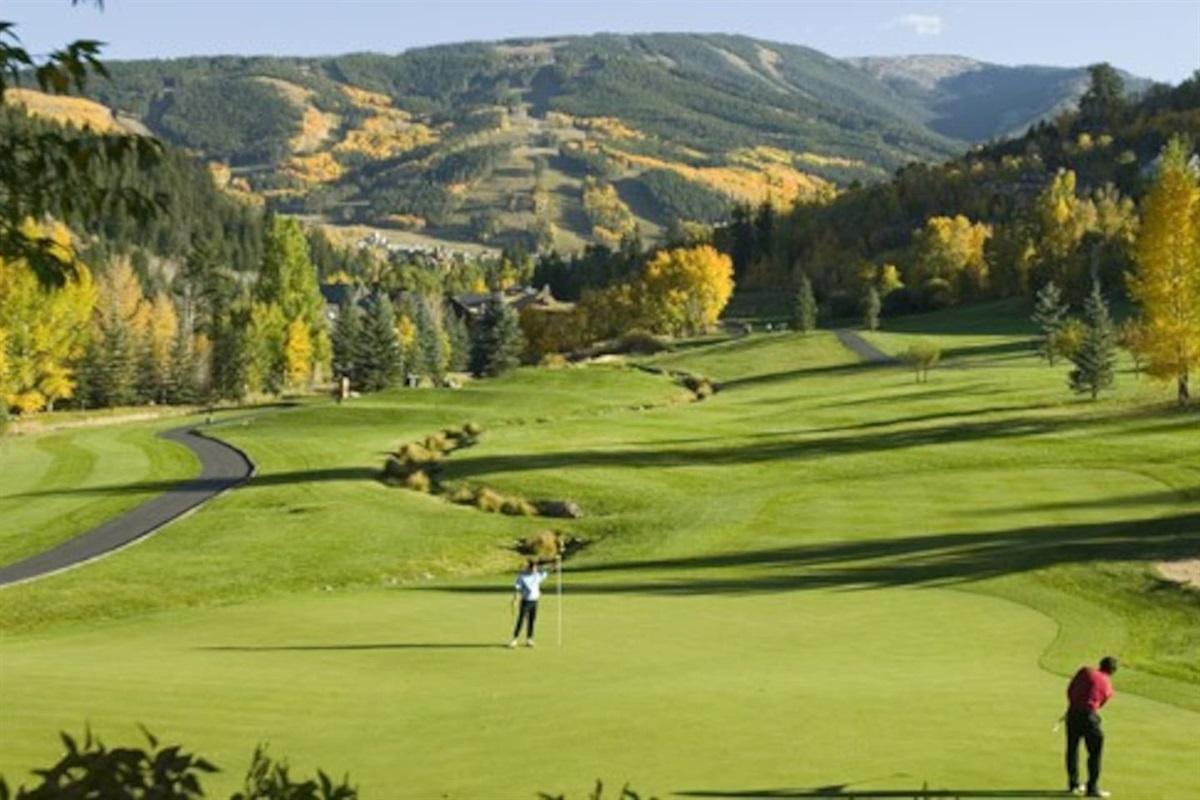 Tallisman Golf Club! - 5 Minutes away!