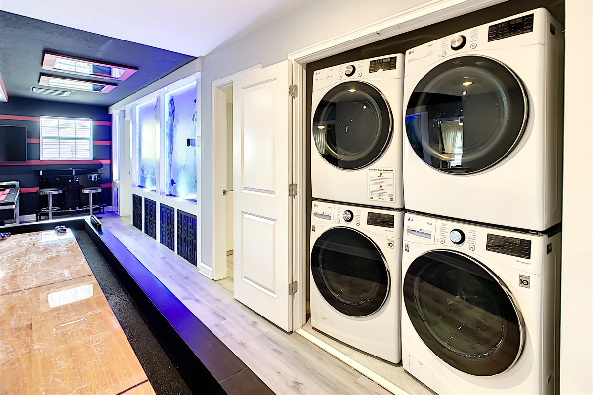 2 Washers/2 Dryers - FREE To Use