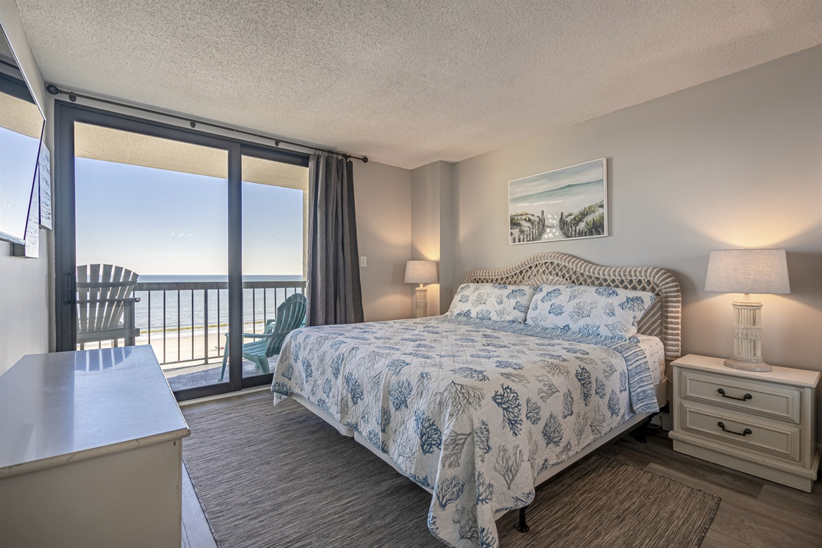 King Master with ocean views
