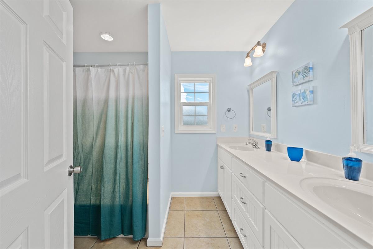Bathroom # 1 (Main Floor, 2nd Level)