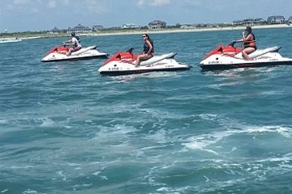 Crazy Sister Marina-Fishing trips, pontoon , jet skis, kayaks, banana boat...