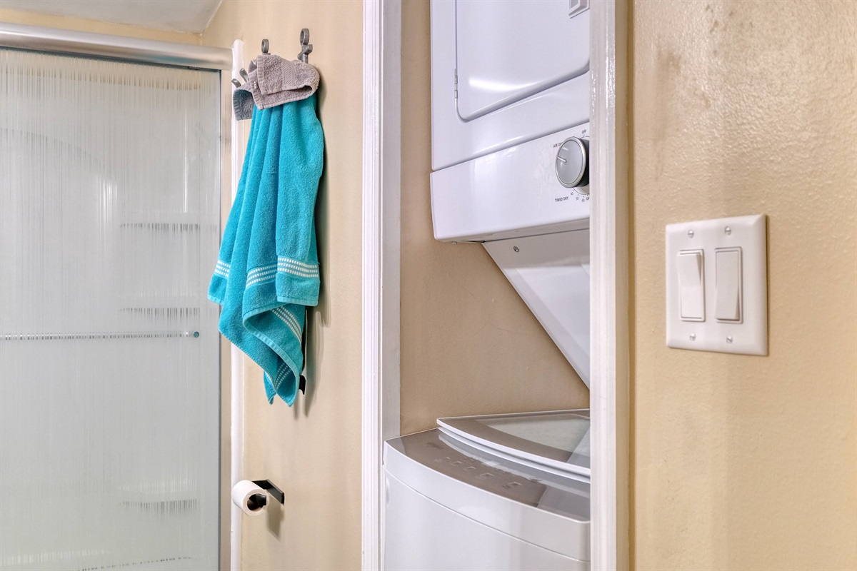 Washer dyer in unit for guest to use during stay
