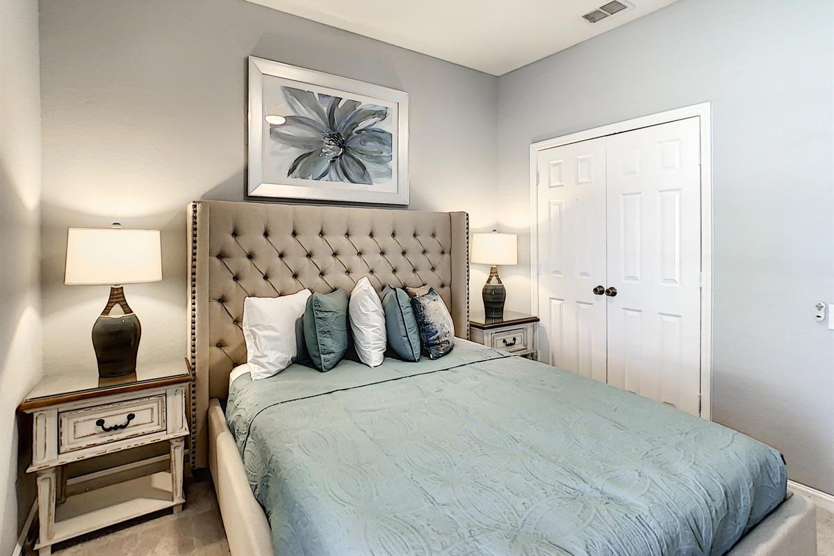 Bedroom #6 - Queen Bed - 1st Floor