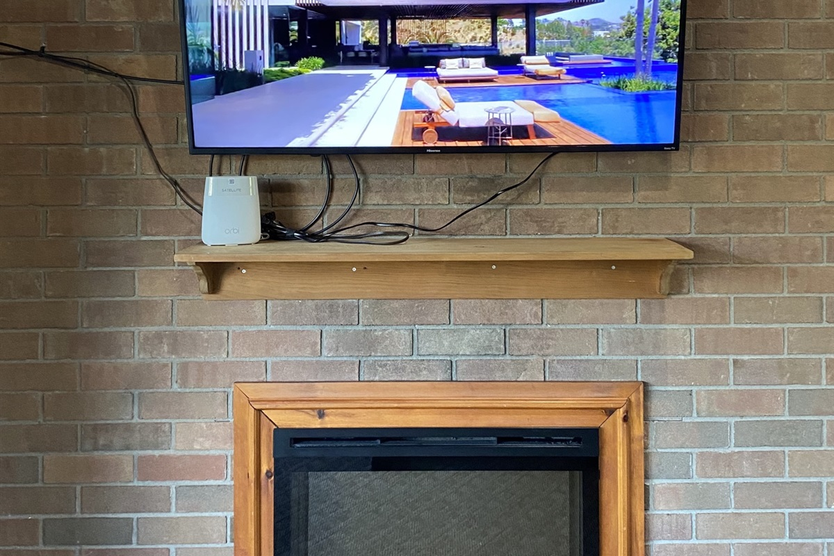 """55"""" 4K TV with VIP Cable, Netflix & Amazon Prime Video"""