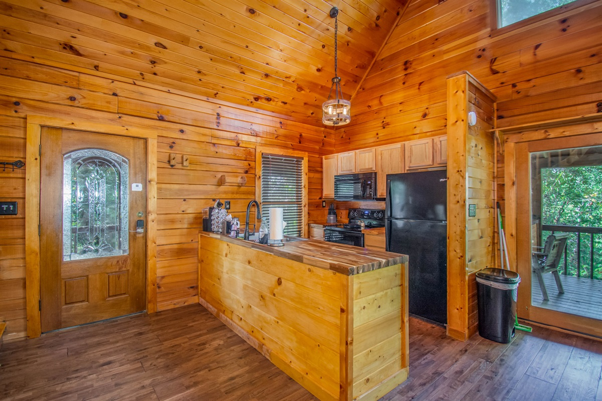 """""""This cabin is beautifully designed and is a great cabin for a small group."""" - Lauren"""