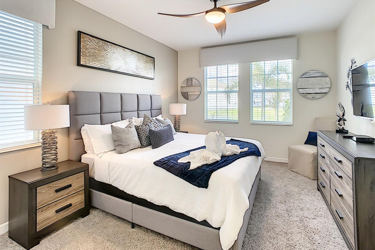Suite 2-1st Floor-King Bed