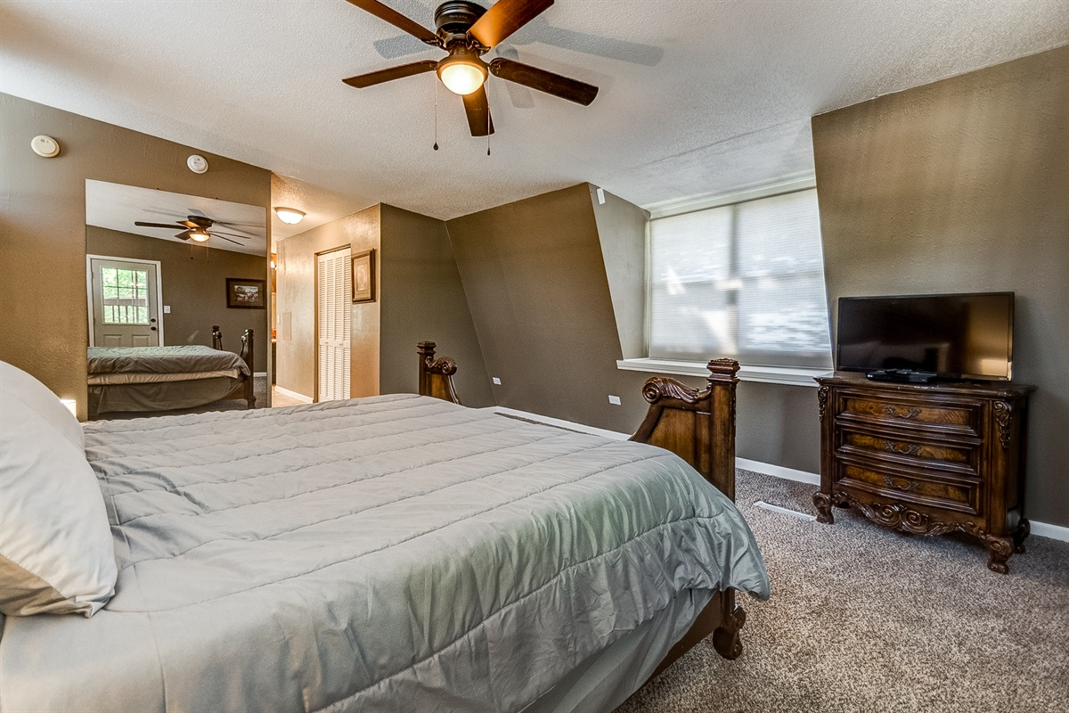 Great windows, plus large wall mirror, and TV