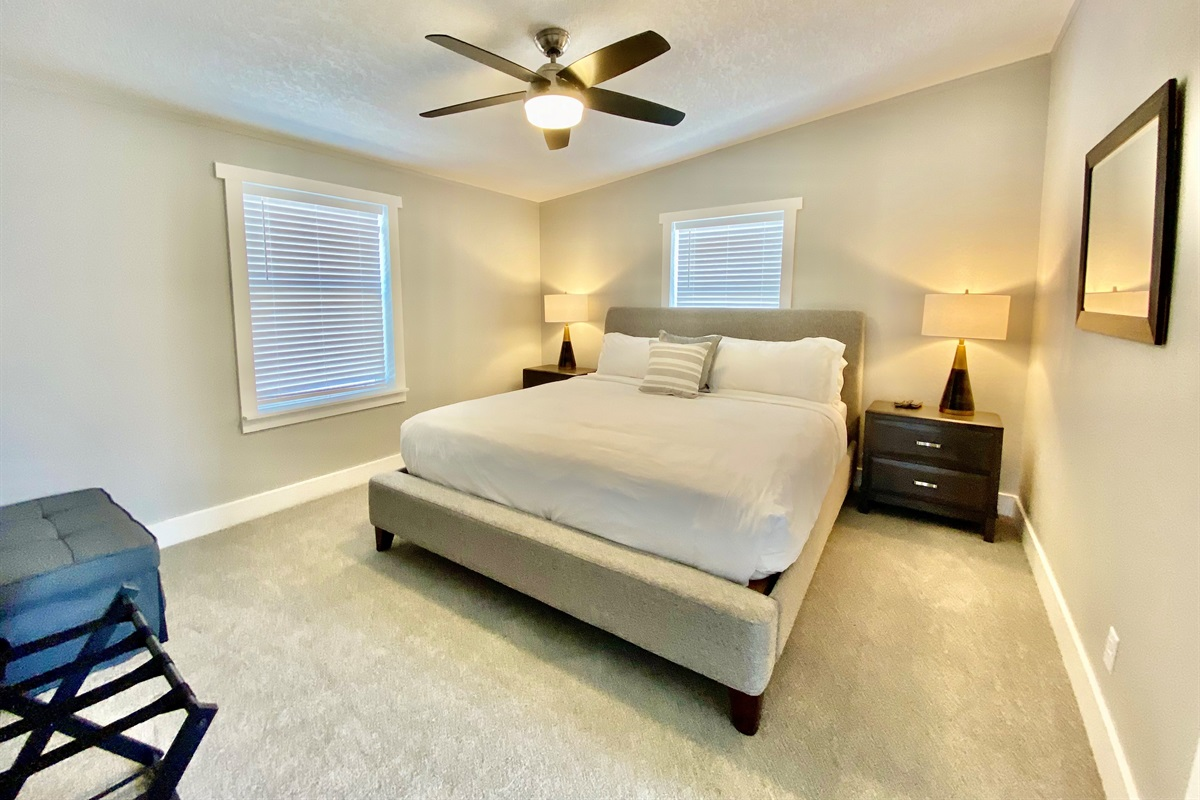 Guest Suite 2 - King Bed