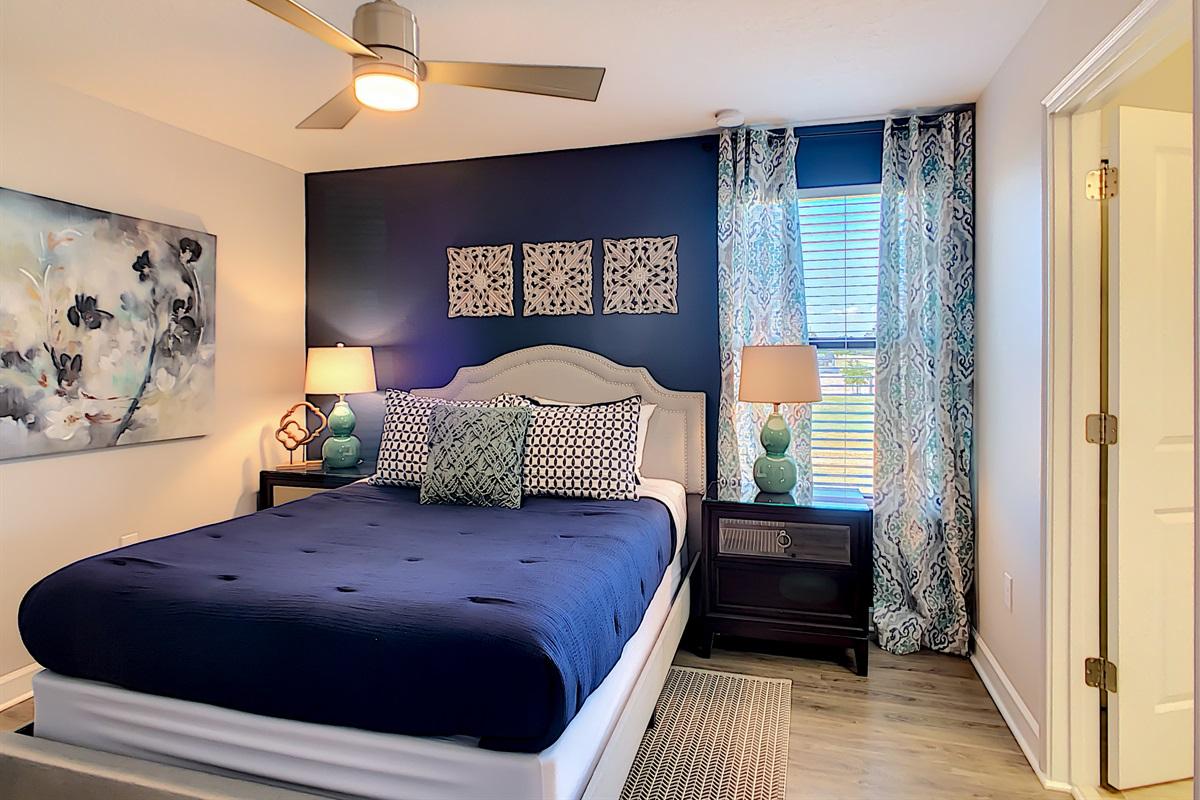 Bedroom 5 - Queen Bed - 2nd Floor