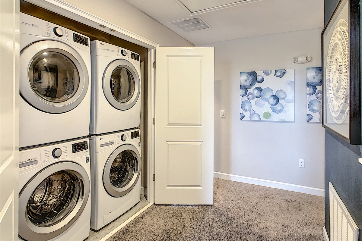 Stacked Washers And Dryers (FREE to use!)