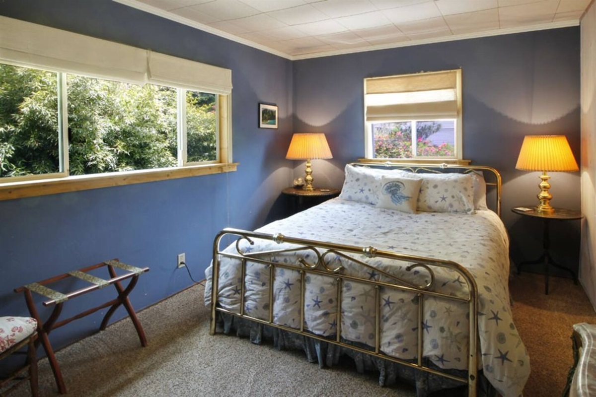 River View Cottage Bedroom with Queen Bed
