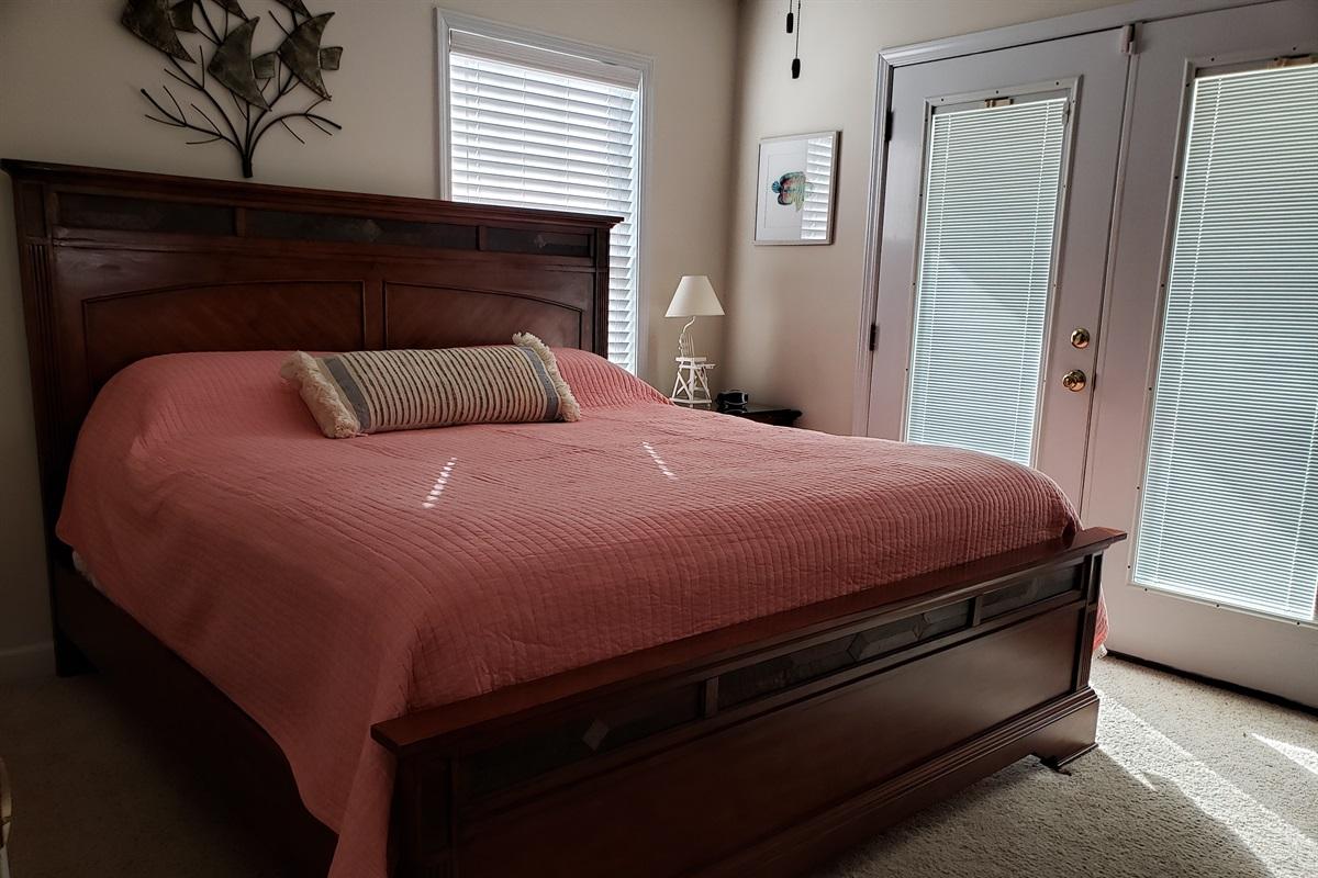 King Upper Bedroom off Deck
