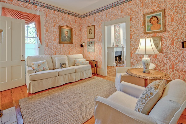 Mary Smith Room - Bedroom 12 - sleep sofa