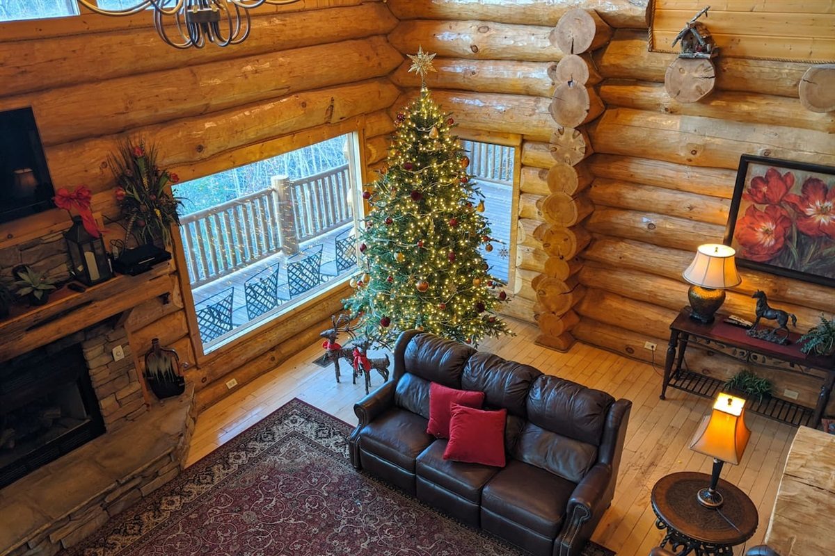 Holiday decorations featuring 9' Sugarlands Spruce from Balsam Hill