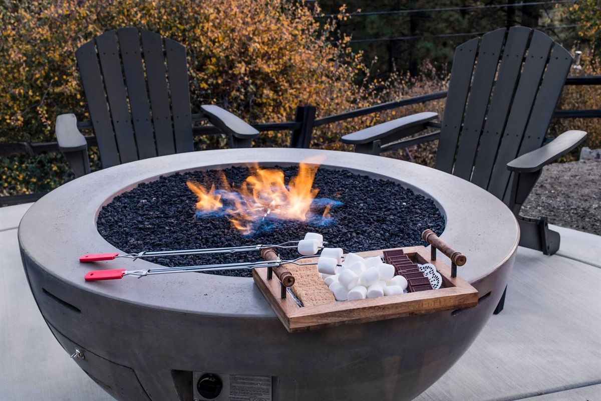 S'mores galore around the cozy fit pit!
