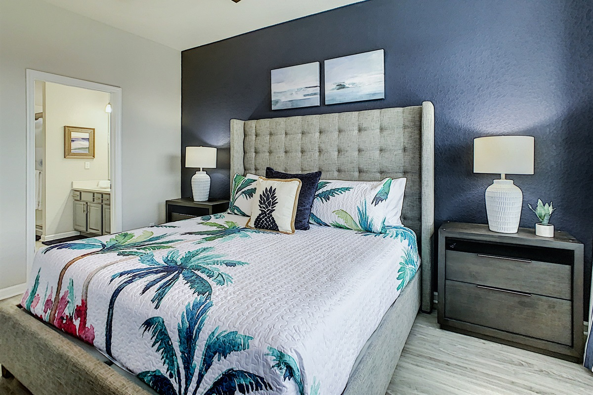 Bedroom #1-First Floor-King Bed