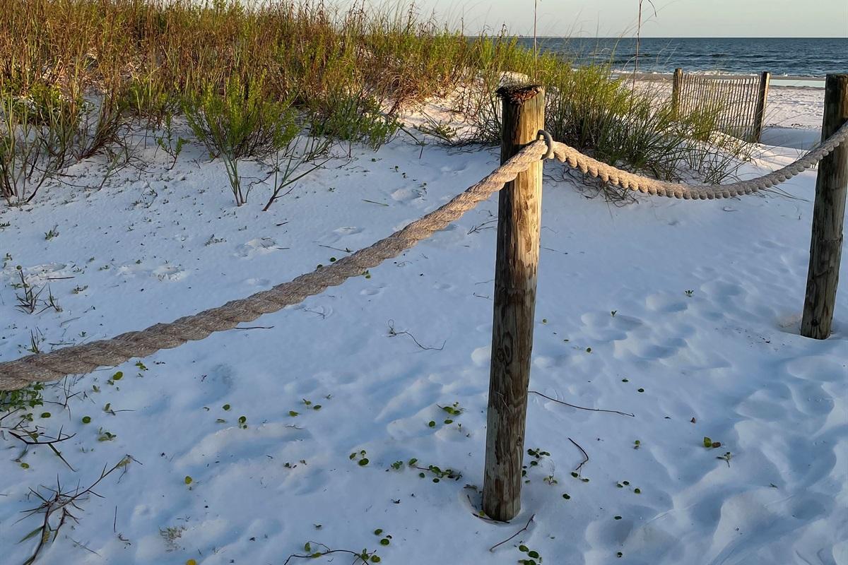 Easy  3 MINUTE flat walk to the beach!