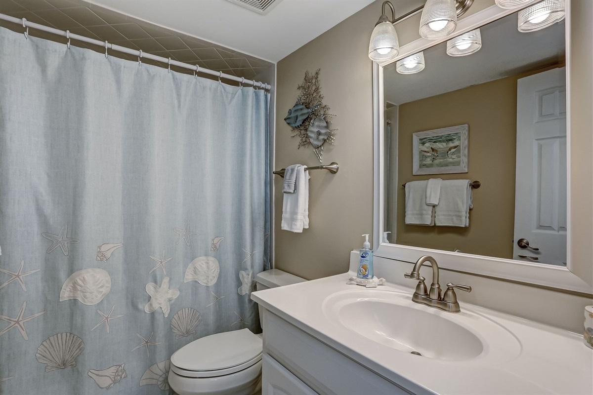 Private Bathroom in 3rd Bedroom