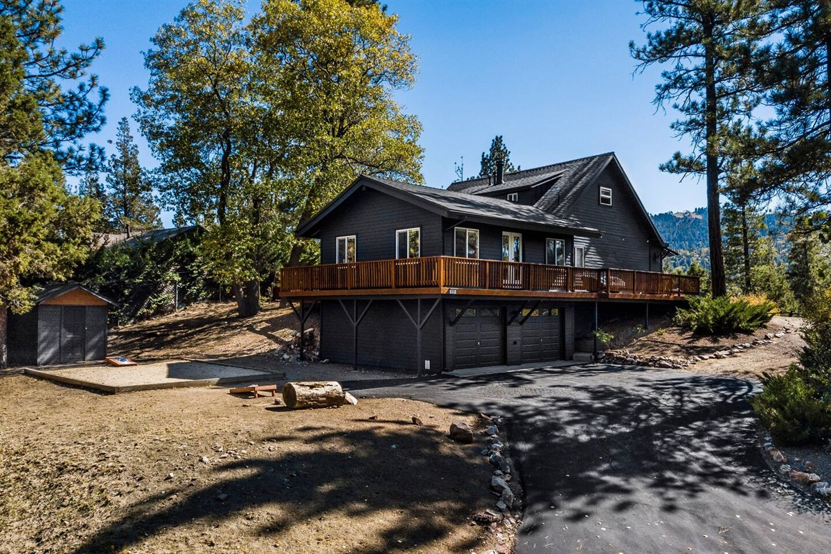 Fox Haus is ideally situated on a private 14,000+ square foot lot.