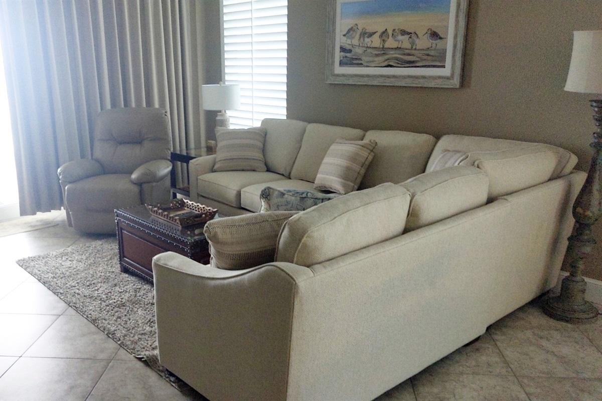 Sectional has queen sofa bed