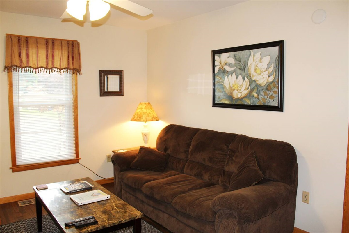 Cooperstown Baseball Rentals - Dugout 1 is a first floor apartment just 3 miles from All-Star Village.  There are 4 separate apartments in this house.  A perfect place for team members to stay together, yet have all the personal space they need.