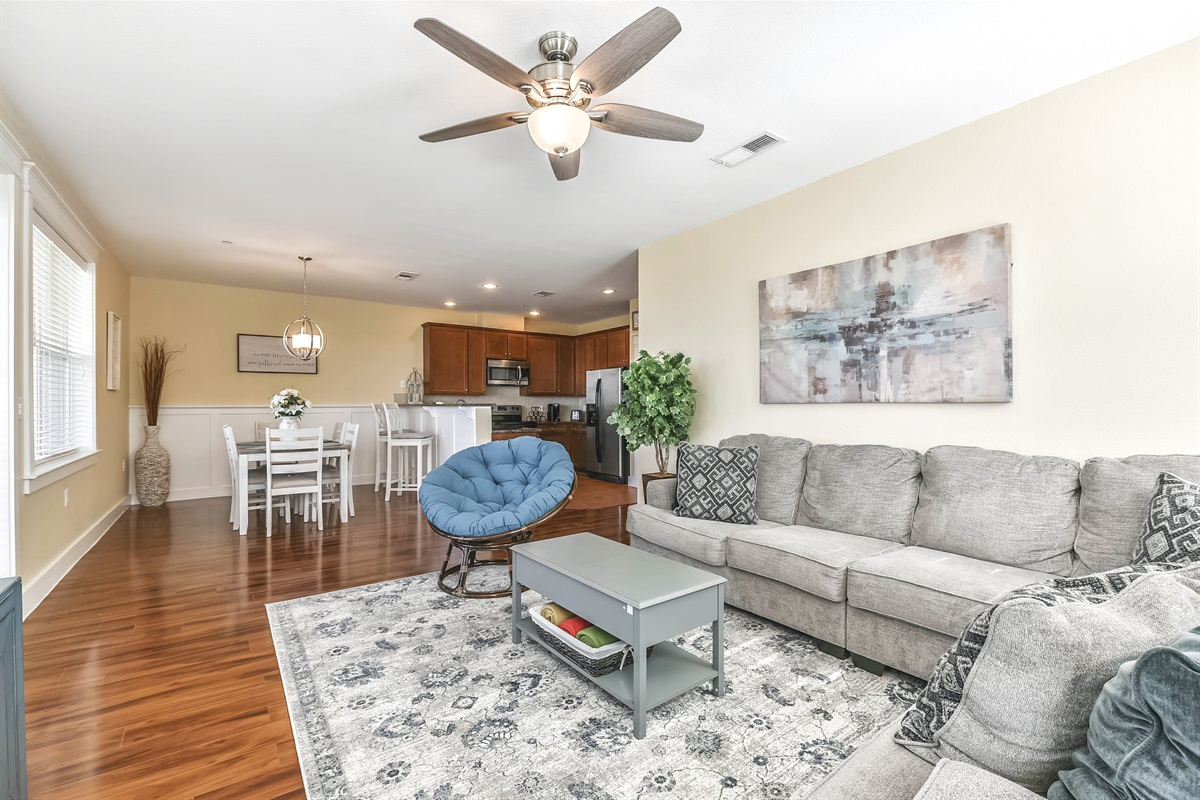 Open concept living/ dining area