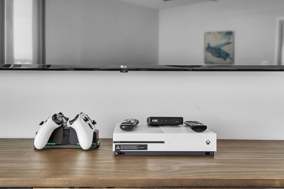 X-Box, 2 controllers, 2 games