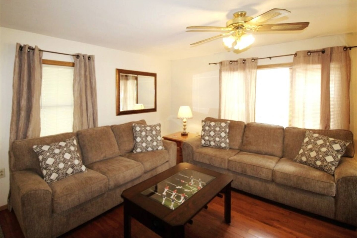 Columbia House has all you need for your vacation home-away-from-home!  5 minutes to Cooperstown All Star Village and within walking distance to downtown Oneonta shopping & dining