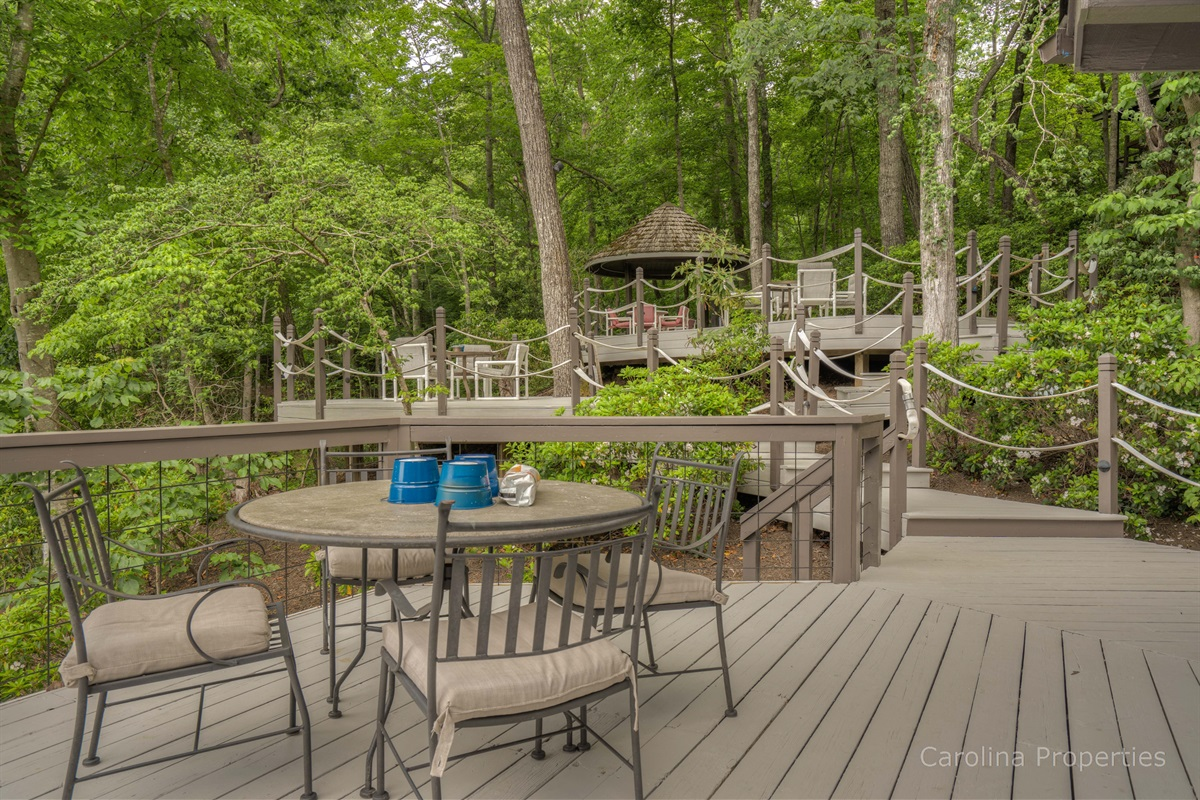 Relaxing deck seating