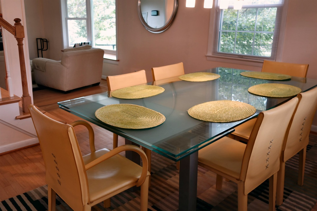 Ample seating, modern furniture