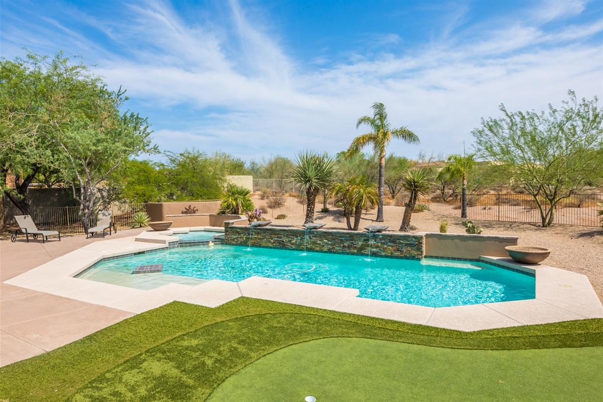 Pool and Spa, heating optional