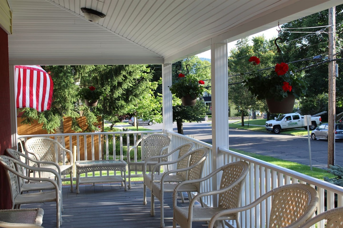 Covered front porch for relaxing after a day at the ballpark