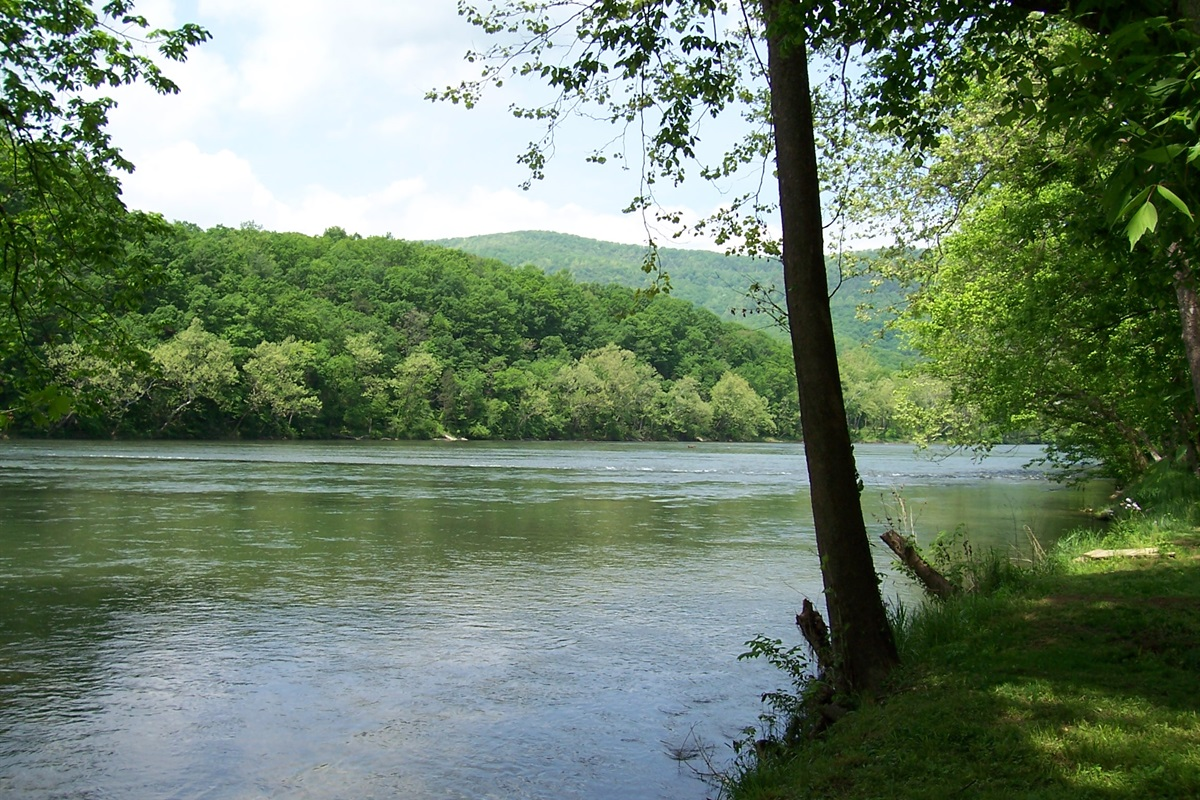Go fishing or canoeing right from the property (you cannot see the river from the house)