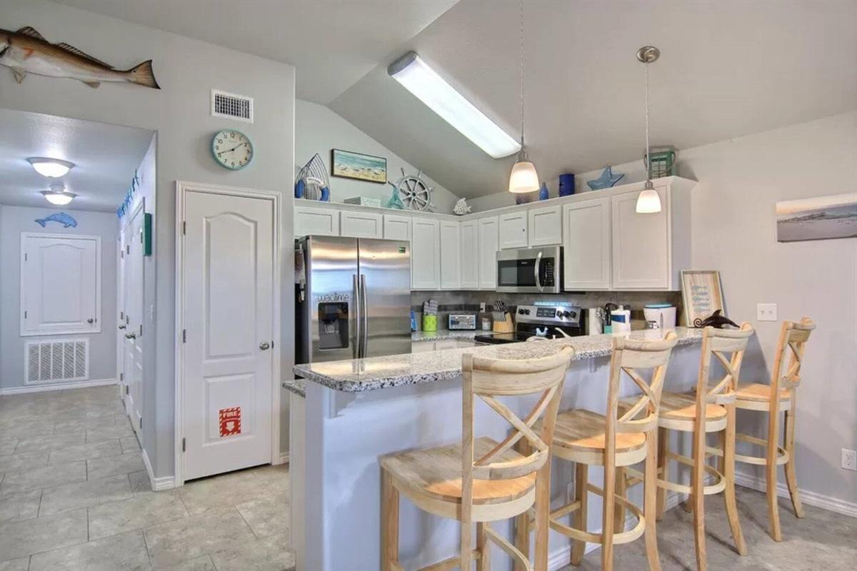 Kitchen / Bar Area