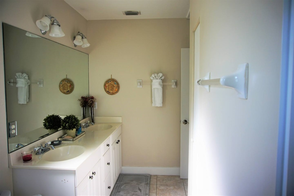 Master bathroom, with dual sinks