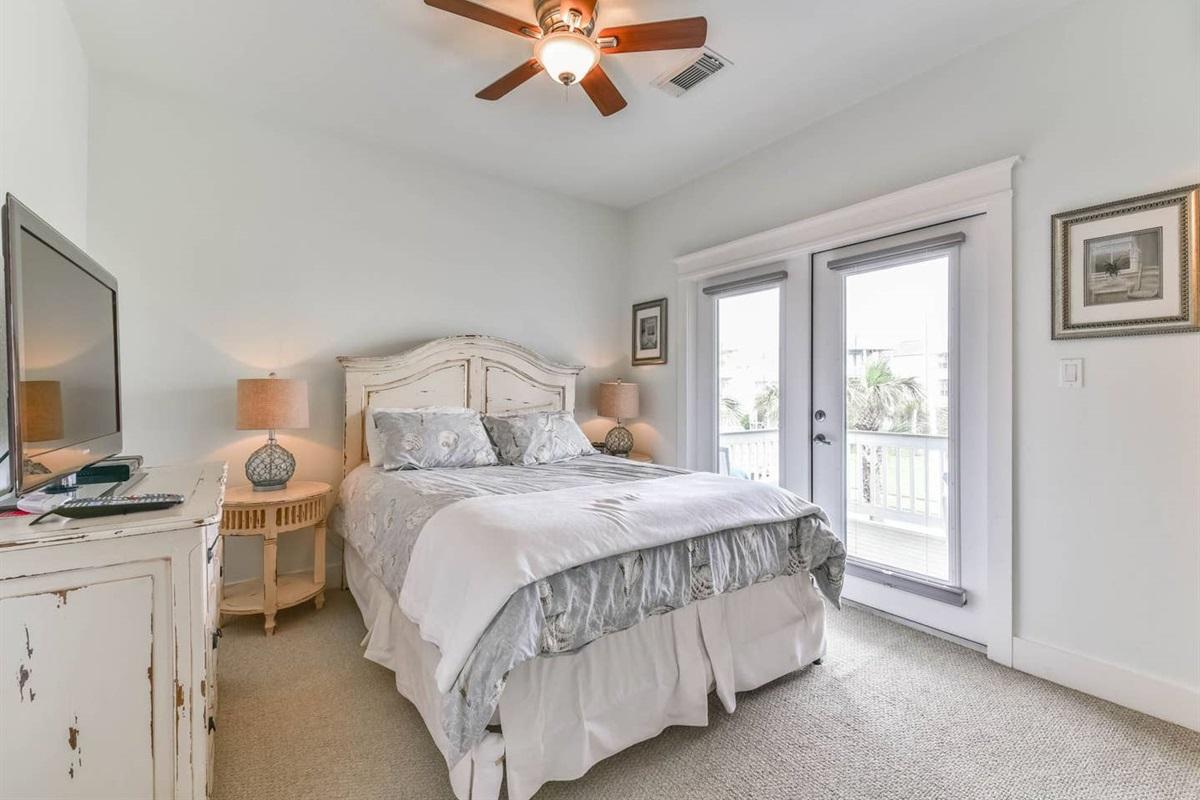 Guest Bedroom with Queen Bed & Balcony Access