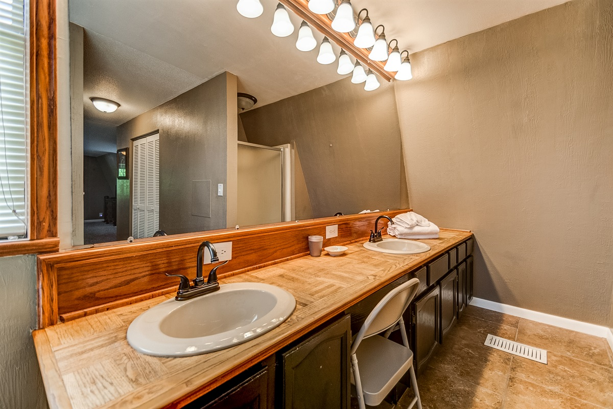 Master bath double sink, plus shower!