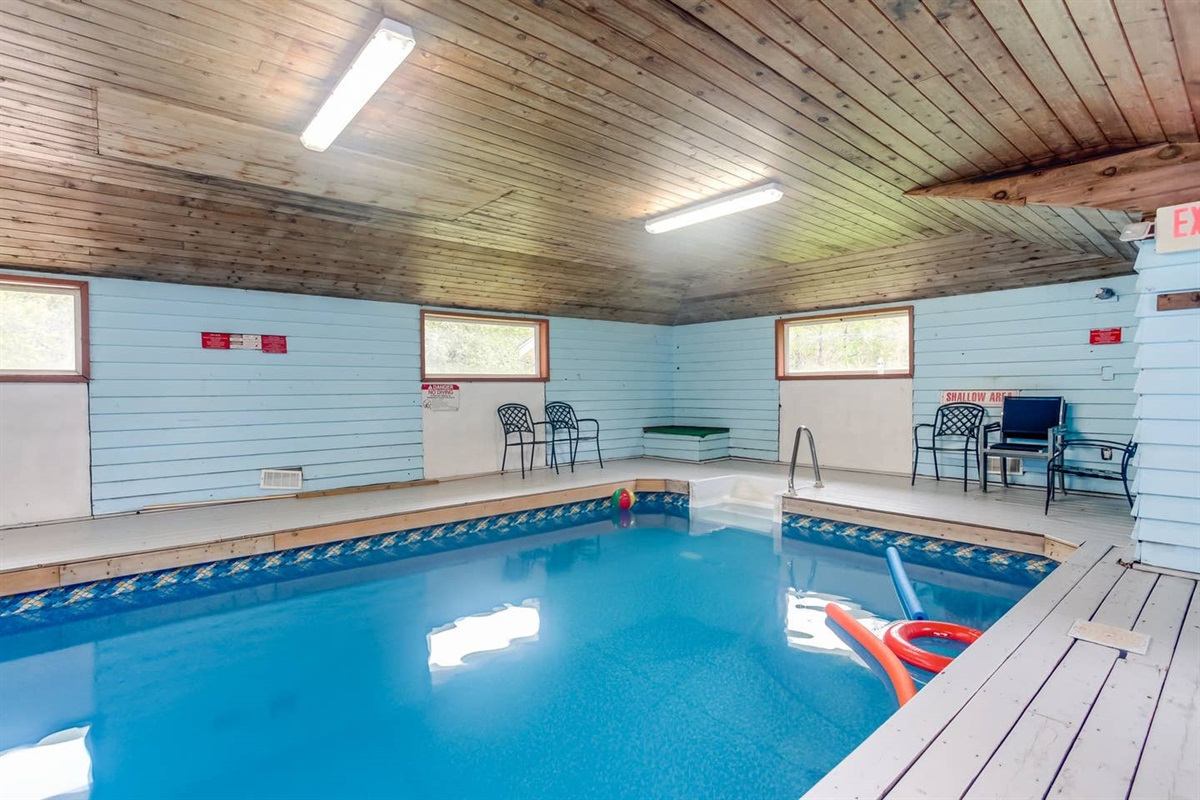 Legend Cottages 17 Bedrooms Indoor Pool Hot Tub Bluemountaincottage Ca