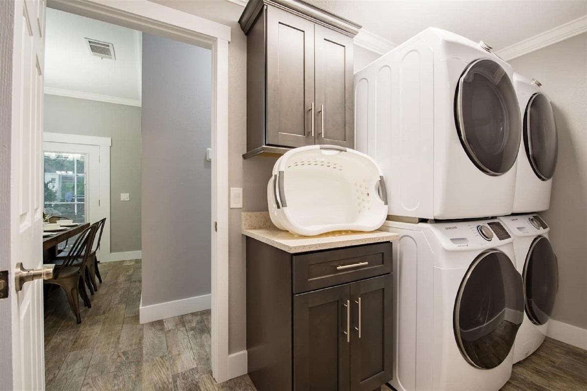 2 x Washing Machine and 2 x Dryers
