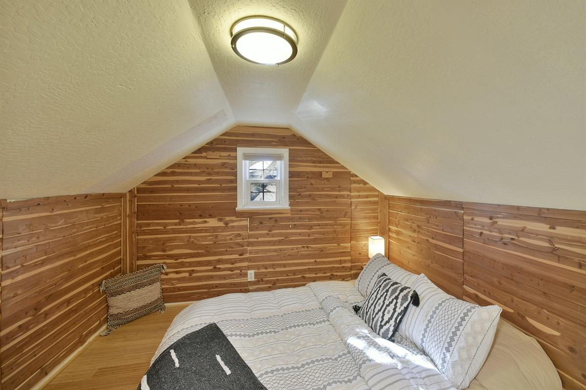 Queen Floor bed