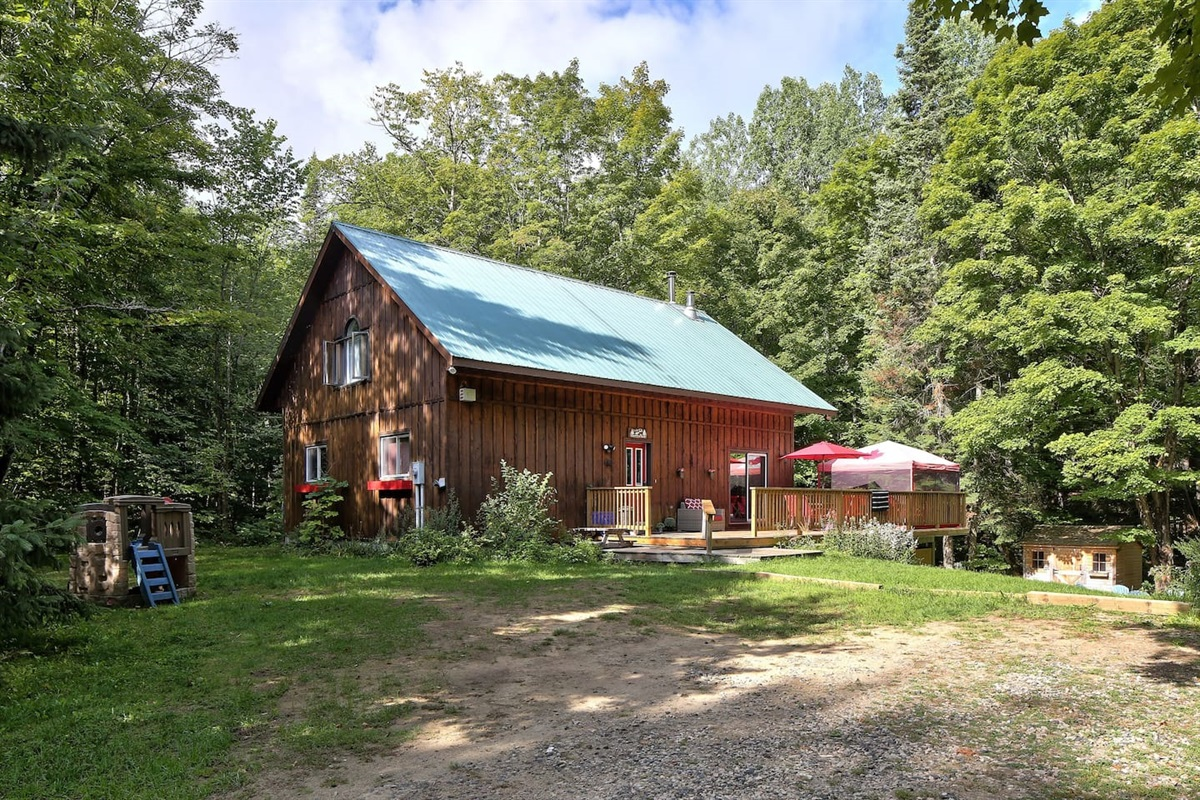You will love this place. Watch the tour - http://www.propertygallery.ca/algonquin-highlands-forest-home.html