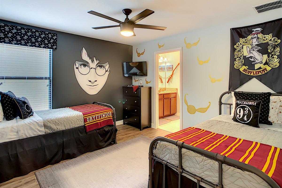 Bedroom 5-2nd Floor-Twin Beds