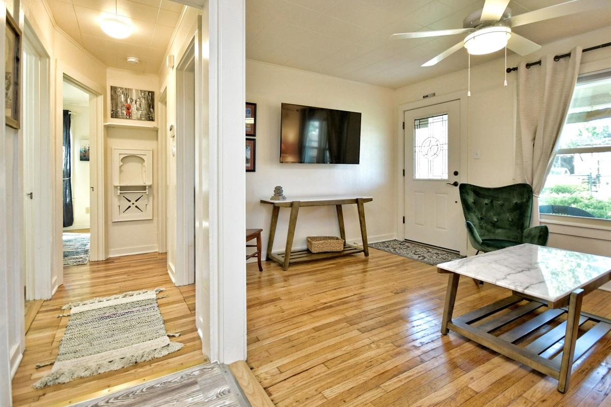 Opa Seidel Haus Living Room & Hall