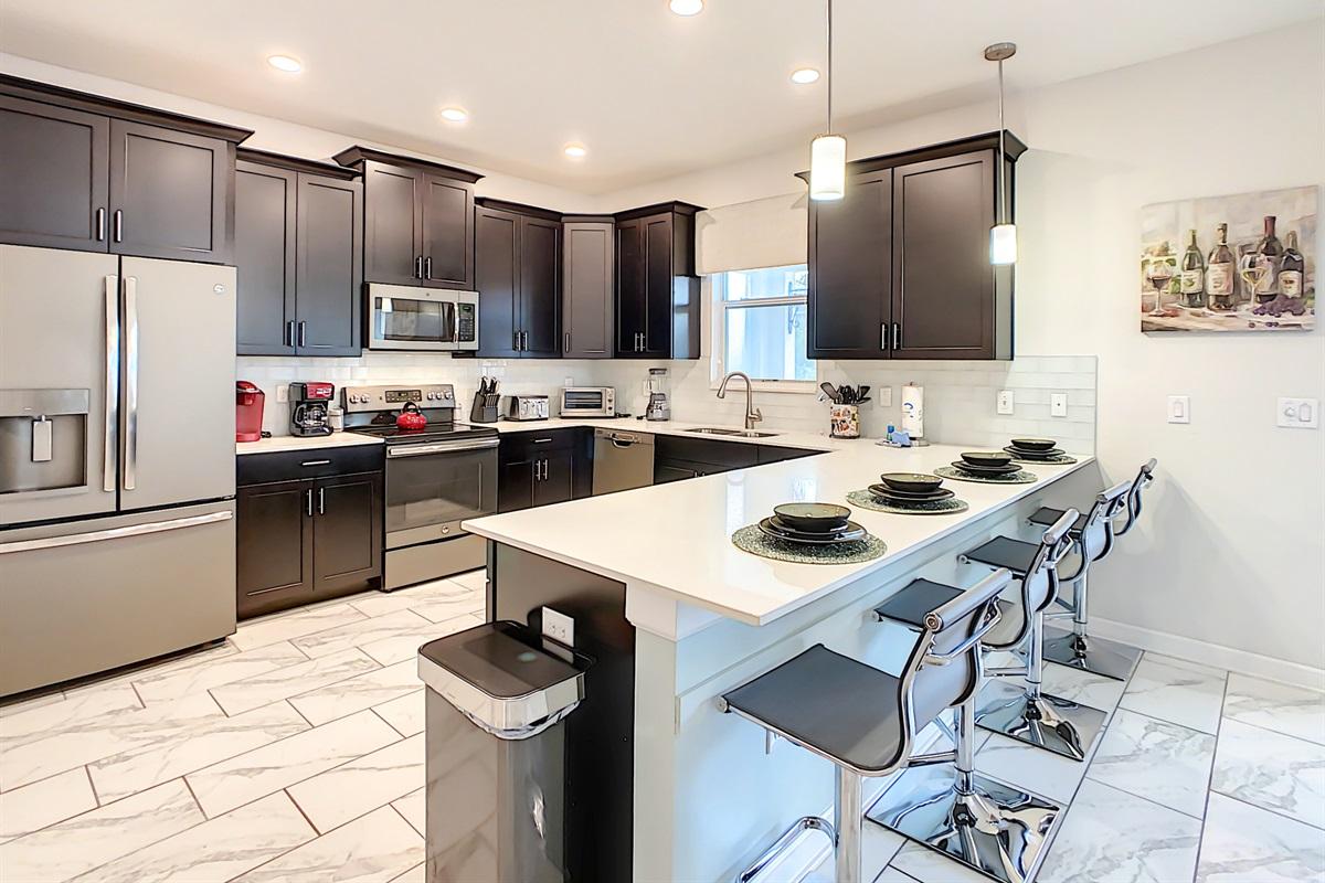New Modern Kitchen-Quartz Countertops