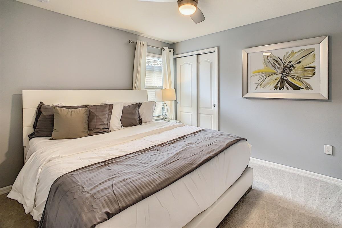 Bedroom 6-2nd Floor-King Bed